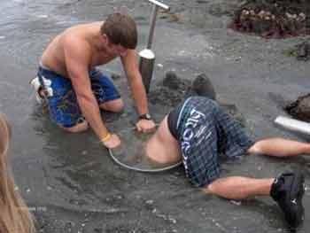 limpador-esgoto-encanamento-catador-camarao-pior-emprego