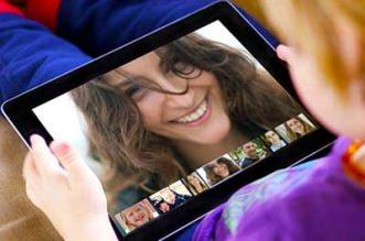 Fazer videoconferência usando o Hangout do Google é muito fácil, pratico para ver os amigos, familiares, fazer reuniões e trabalhar online no PC, celular ou tablet