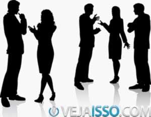 Seja social: crie uma comunidade ao seu redor com os mesmo interesses e interaja, faça perguntas, comente, adicione pessoas
