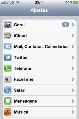 Ajustes do iPhone e iPad mostrando as configurações gerais e iCloud