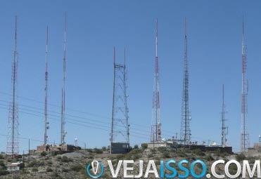 Distância da sua localização a antena de celular mais próxima influencia o sinal principalmente em viagens para o interior com companias com poucas redes