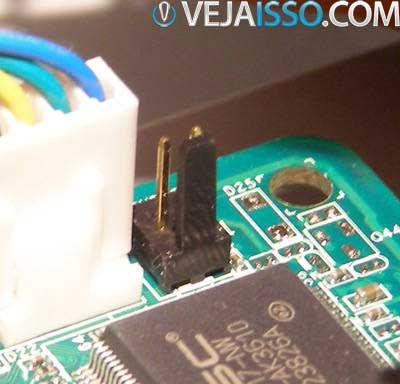 Exemplo de Jumper da BIOS que pode resetar via hardware as configurações da placa mãe