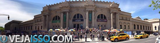 Clique para Ampliar - AutoStich o melhor programa para fazer panoramas - Exemplo tirado em frente ao Metropolitam Museum of Art em Nova York